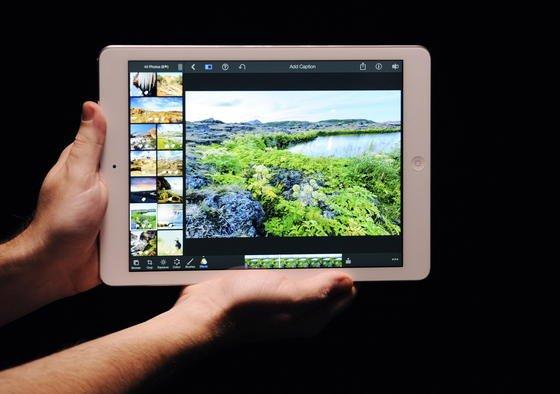 Das iPad Air hielt beim Surfen im Internet 658 Minuten durch, beim Abspielen von Videos fast 13 Stunden. Das Google Nexus 7 machte beim Surfen hingegen nach sieben Stunden schlapp, beim Videotest nach knapp acht Stunden.