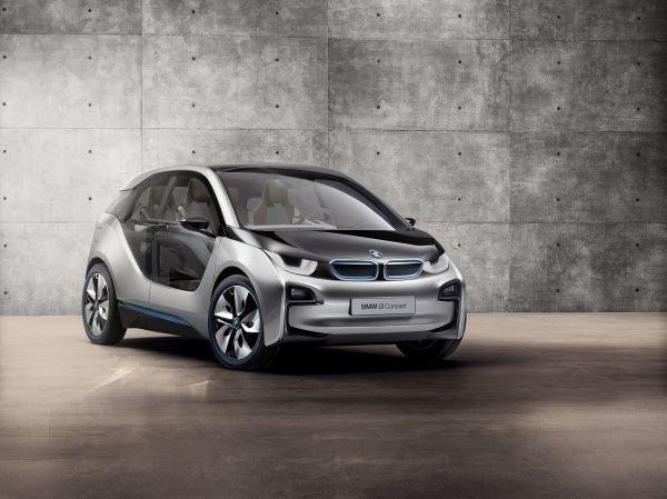 Plug-in-Modelle, die an der heimischen Steckdose aufgeladen werden können, sollen den Absatz ankurbeln – hier der i3 von BMW.