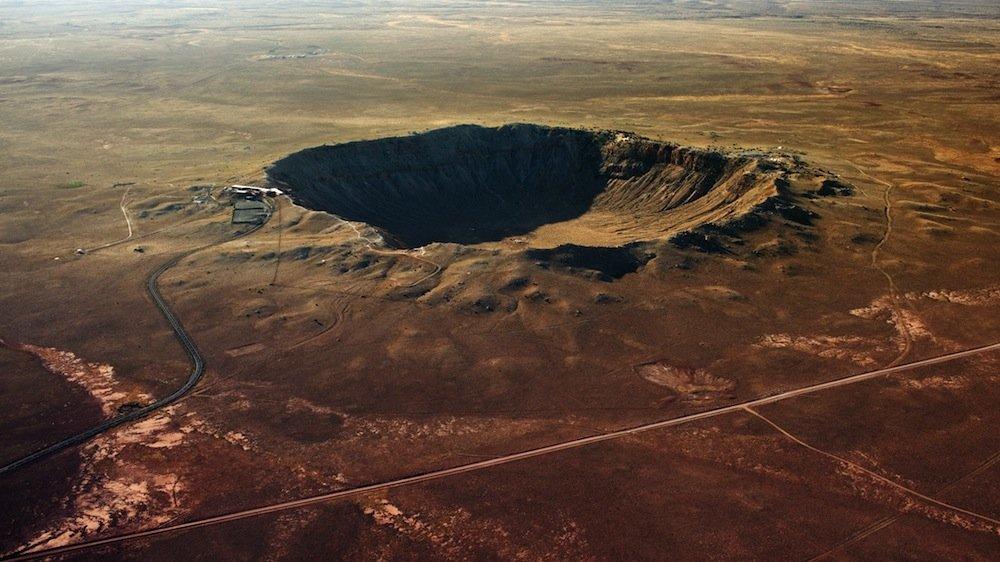 Trifft ein Asteroid auf die Erde, sind die Folgen deutlich: Der Barringer-Krater in Arizona hat einen Durchmesser von 1200 Metern und wurde von einem 50-Meter-Asteroiden verursacht.