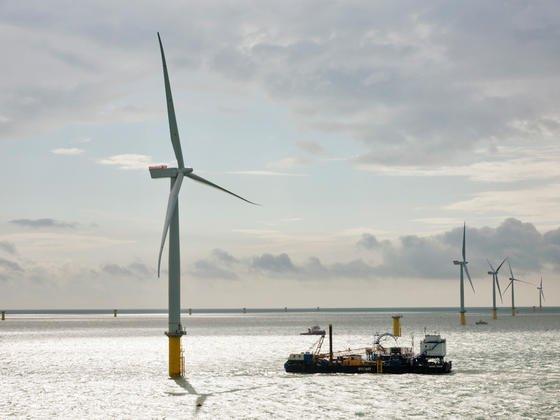 Mit einem hochseefähigen Kabelleger müsste das Stromkabel zwischen Island und Großbritannien auf einer Länge von 1650 Kilometern verlegt werden. Die Kosten des Projektes soll bei knapp fünf Milliarden Euro liegen.