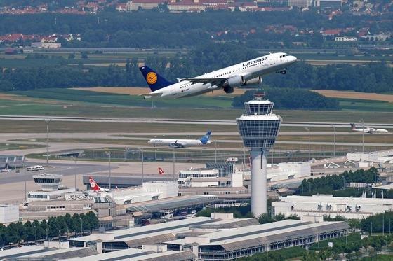 Zwei Startbahnen hat der Münchener Flughafen, eine dritte muss nach Ansicht der Befürworter dringend her.