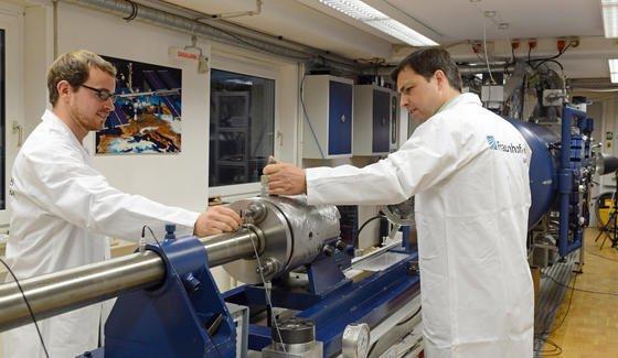 Die Arbeit im deutschen Wissenschaftsbetrieb ist für viele Nachwuchsforscher nicht mehr attraktiv – sie wandern ins Ausland ab.