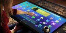 Tische mit eingebautem Computer und Touch Screen