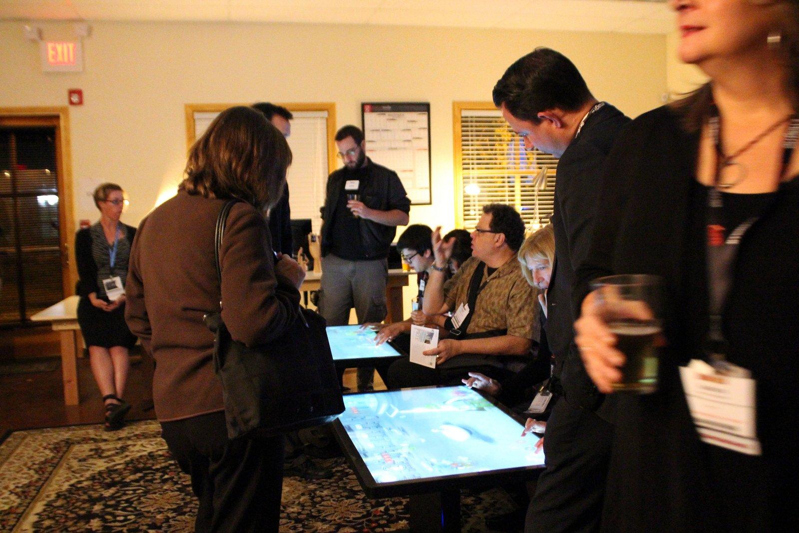 Spieltisch: Die neuen Computertische in den USA lassen sich auch zur Partyunterhaltung nutzen.