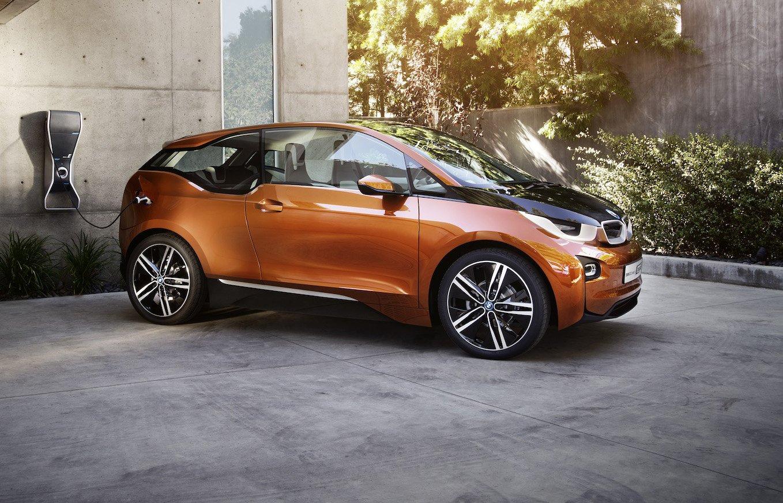 BMW hat Ende vergangenen Jahres mit dem i3 ein reines Elektroauto auf den Markt gebracht. Die Unternehmensberatung McKinsey glaubt, dass Deutschland in den nächsten Jahren zum größten Elektroauto-Hersteller der Welt aufsteigt und die USA vom ersten Platz verdrängt.