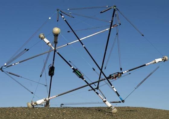 """Der von NASA neu entwickelte Erkundungsroboter """"Super Ball Bot"""" gleicht einer ballartigen Draht-Konstruktion."""