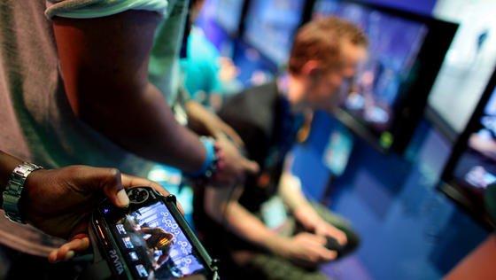 Mit Spielekonsolen wurde die Gemütslage der Teilnehmer des Experiments wahlweise gut gelaunt oder frustriert eingestellt.