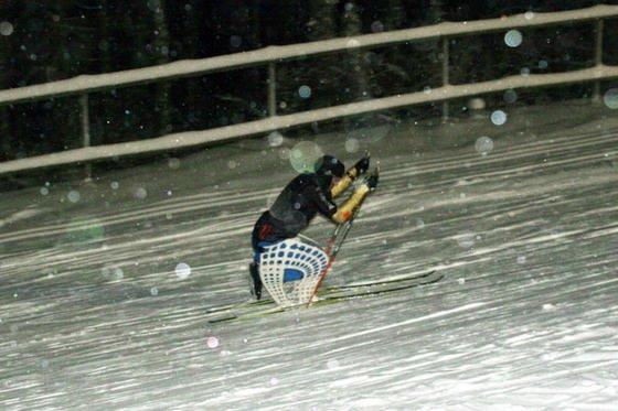 Martin Fleig testete im November den zweiten Skischlitten-Prototypen im Schwarzwald auf Herz und Nieren.