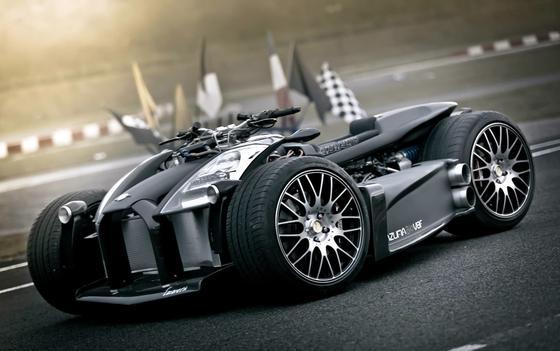Das Wazuma V8F des französischen HerstellersLazareth, ausgestattet mit Ferrari-Motor.Das 650 Kilogramm schwere Geschoss erreicht eine Höchstgeschwindigkeit von 240 km/h und kostet rund 250.000 US-Dollar. Damit ist es das teuerste Quad der Welt.