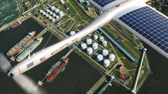 Die Drohne Solara 50 der US-Firma Titan Aerospace könnte in 20 Kilometern Höhe Aufgaben von Satelliten übernehmen, auch die Kommunikationsübertragung.