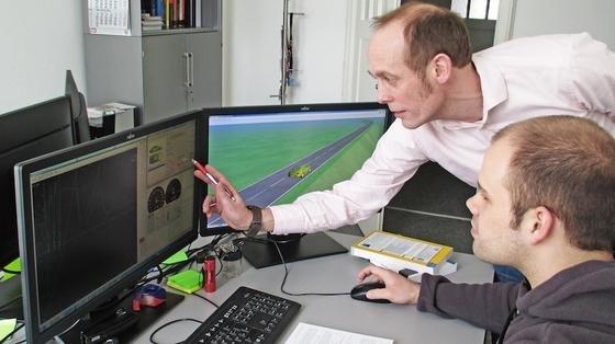 Prof. Reiner Kriesten, Studiendekan des Masterstudiengangs Effiziente Mobilität in der Fahrzeugtechnologie an der Hochschule Karlsruhe, entwickelt den neuen Energiemanager. Er soll für Hersteller eine günstige Möglichkeit sein, die Effizienz ihrer Elektrofahrzeuge zu erhöhen.