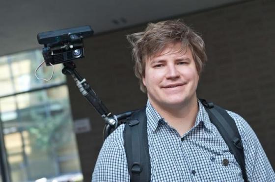 Christian Winkler hat eine neue Projektionstechnik entwickelt. Er istwissenschaftlicher Mitarbeiter am Ulmer Institut für Medieninformatik.