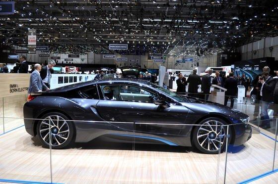 Elektroauto BMW i8 auf dem Autosalon in Genf: Fritz Indra, einer der weltweit bekanntesten Motorenentwickler, gibt dem Elektroantrieb keine Zukunft.