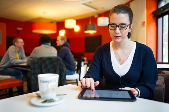 Apps auf Tablet-PC und Smartphone sind potenzielle Datenspione. Saarbrücker Informatiker wollen sie bereits im App Store enttarnen.