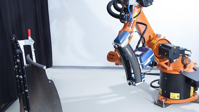 Der 3D-Scanner des Braunschweiger Unternehmens Aicon ist auf einemRoboterarm montiert und dadurch besonders flexibel.