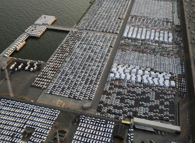 Auch für die Industrie können hoch auflösende Satellitenbilder von großem Interesse sein: Wieviel Platz sind noch im Container-Lager, wie hoch ist die Auslastung, wie weit ist der Umschlag der Ladung? Solche Fragen lassen sich mit Echtzeit-Satellitenbildern beantworen, die das junge Unternehmen Skysat anbietet.