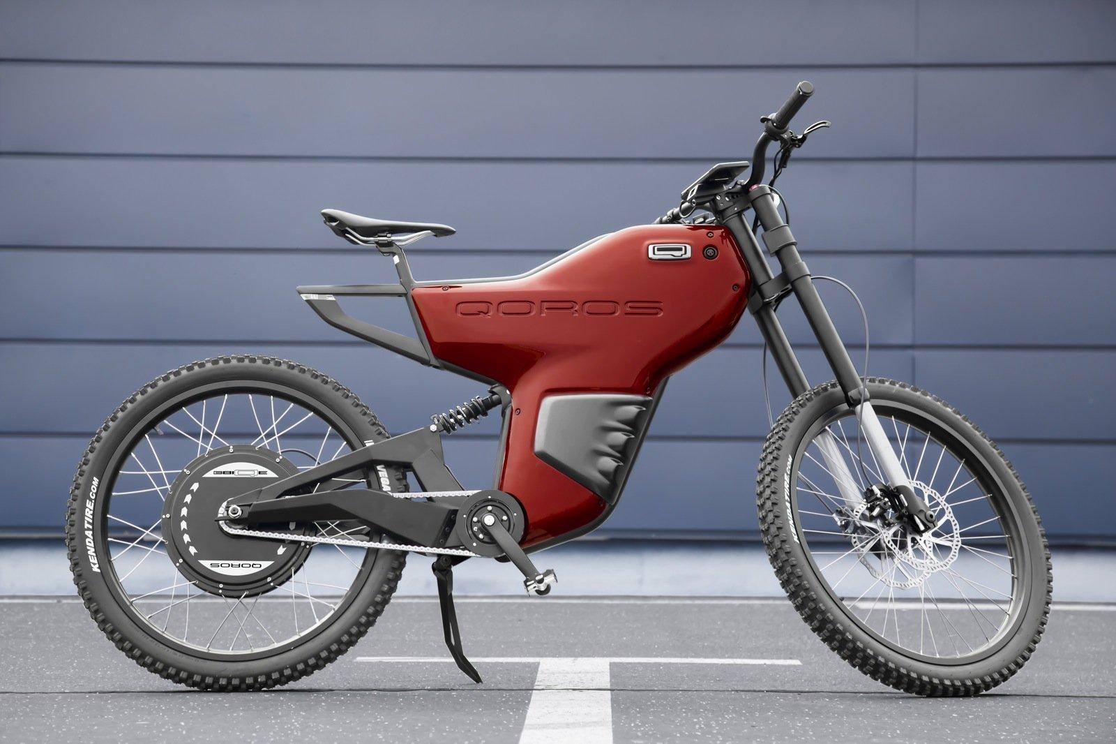"""Das neue """"eBIQUE"""" des chinesischen Autobauers Qoros ist für den """"modernen Städter"""" gedacht. Das E-Bike fährt bis zu 65 Stundenkilometer schnell und ähnelt eher einer Motocross-Maschine als einem Fahrrad. Mit 49 Kilogramm ist es ungewöhnlich schwer."""