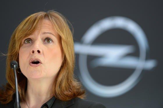 <p>Erst mit Mary Barra an der Spitze reagiert General Motors auf zehn Jahre alte Probleme mit Zündschlössern. 13 tödliche Unfälle sollen mit dem technischen Mangel zusammenhängen.