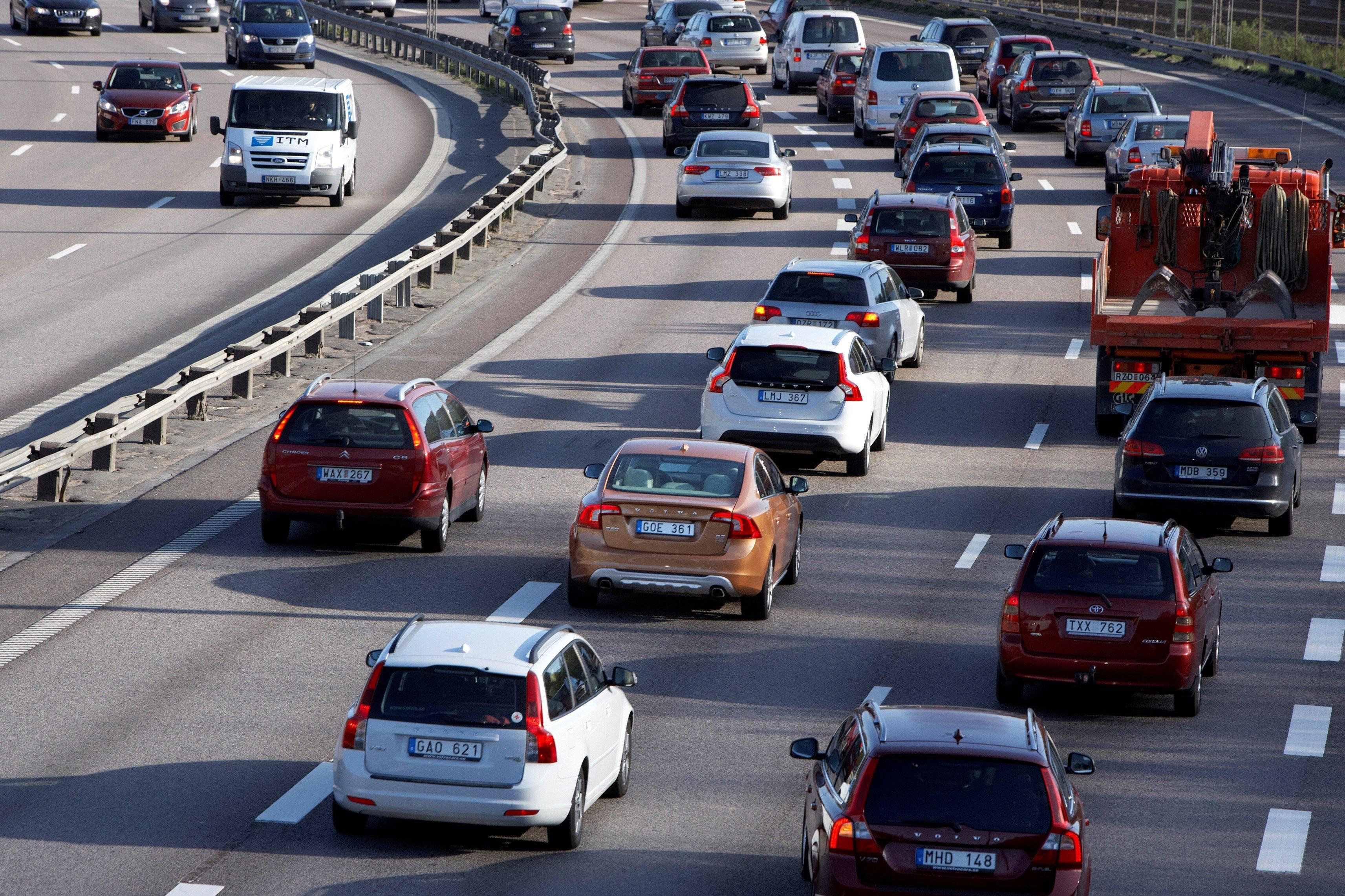 Demnächst will Volvo seine neue Navigationstechnik mit Hilfe von Magneten, die in den Straßenbelag eingelassen werden, auch unter Praxisbedingungen im Straßenverkehr testen.