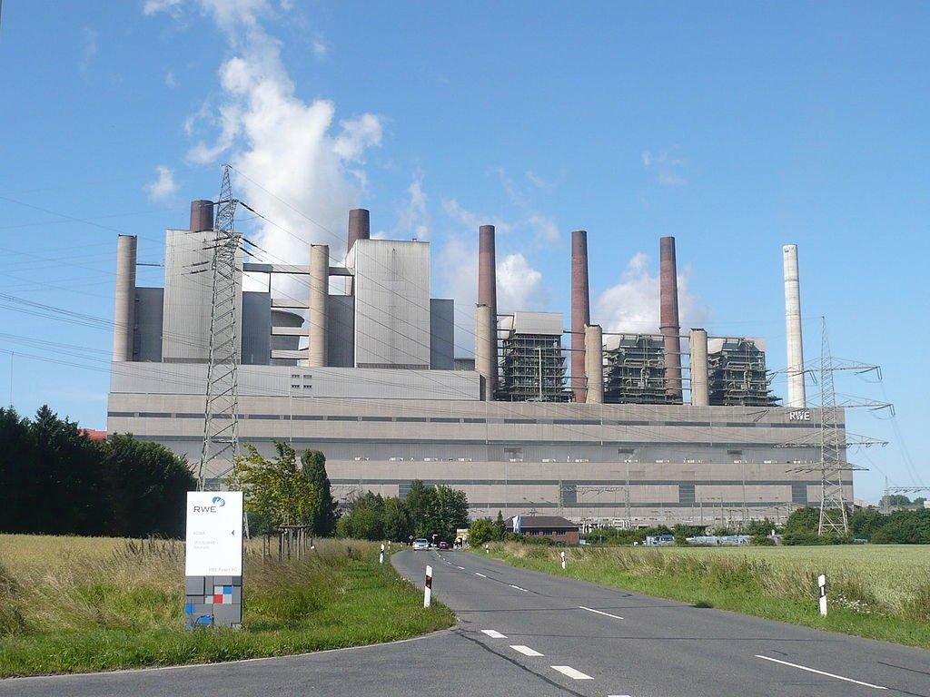 So viel Strom wie das Kraftwerk in Neurath produziert könnte eingespart werden, wenn alle alle Werkzeugmaschinen in Deutschland verbrauchsoptimiert arbeiten würden.