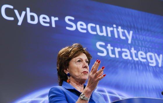 Neelie Kroes, EU-Kommissarin für die Digitale Agenda, freut sich über die Ankündigung der USA, die Aufsicht über die Internetverwaltungsorganisation ICANN abgeben zu wollen. Die Internationalisierung der ICANN sei schon lange politisches Ziel gewesen.