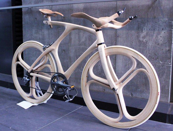 Verzichtet fast ganz auf Metall: das Holz-Rad des japanischen Studenten Yojiro Oshima.