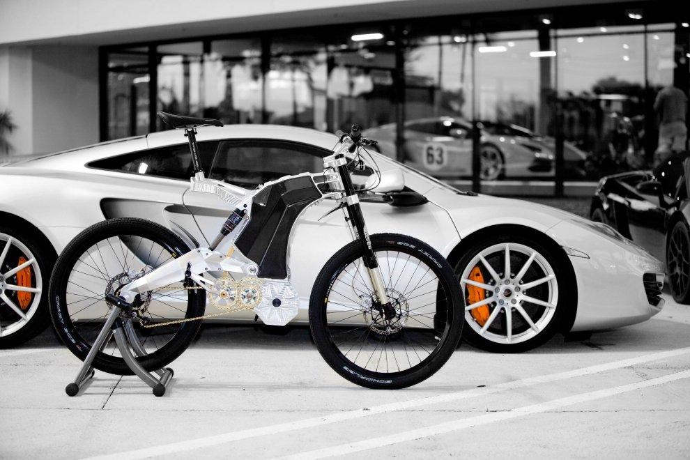 Der Sportwagen unter den E-Bikes hat seinen Preis: Ein Terminus kostet rund 27.000 Euro.