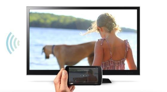 Mit dem HDMI-Stick Chromecast lassen sich Medieninhalte auf den Fernseher streamen.