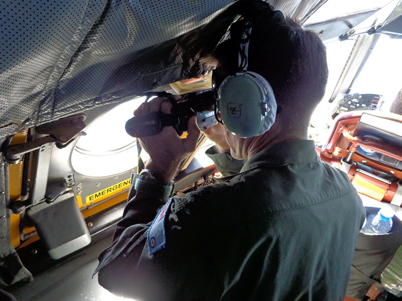 Suche der australischen Luftwaffe nach Wrackteilen des vermissten Fluges MH370: Inzwischen wurden von chinesischen Suchtrupps weitere Wrackteile im Indischen Ozean entdeckt.