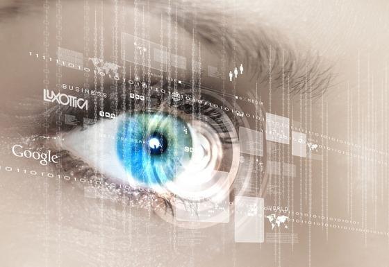 Google und der weltweit größte Brillenhersteller Luxottica wollen künftig gemeinsam an der Optik der Datenbrille Google Glas feilen. Eine entsprechende Vereinbarung haben die beiden Unternehmen jetzt getroffen.