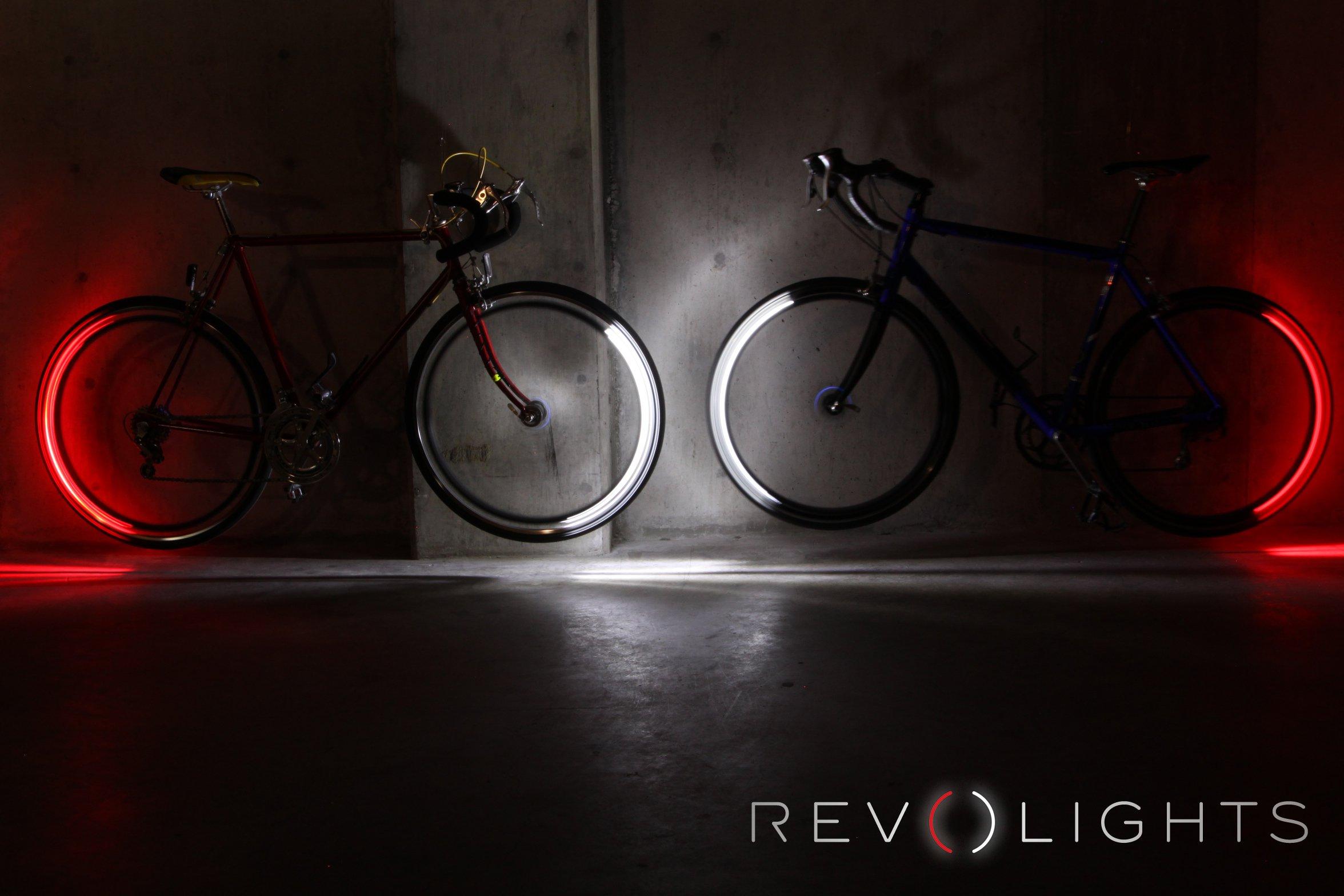 Auch eine auffällige Frontbeleuchtung ist denkbar, um Radfahrer nachts auffälliger zu machen.