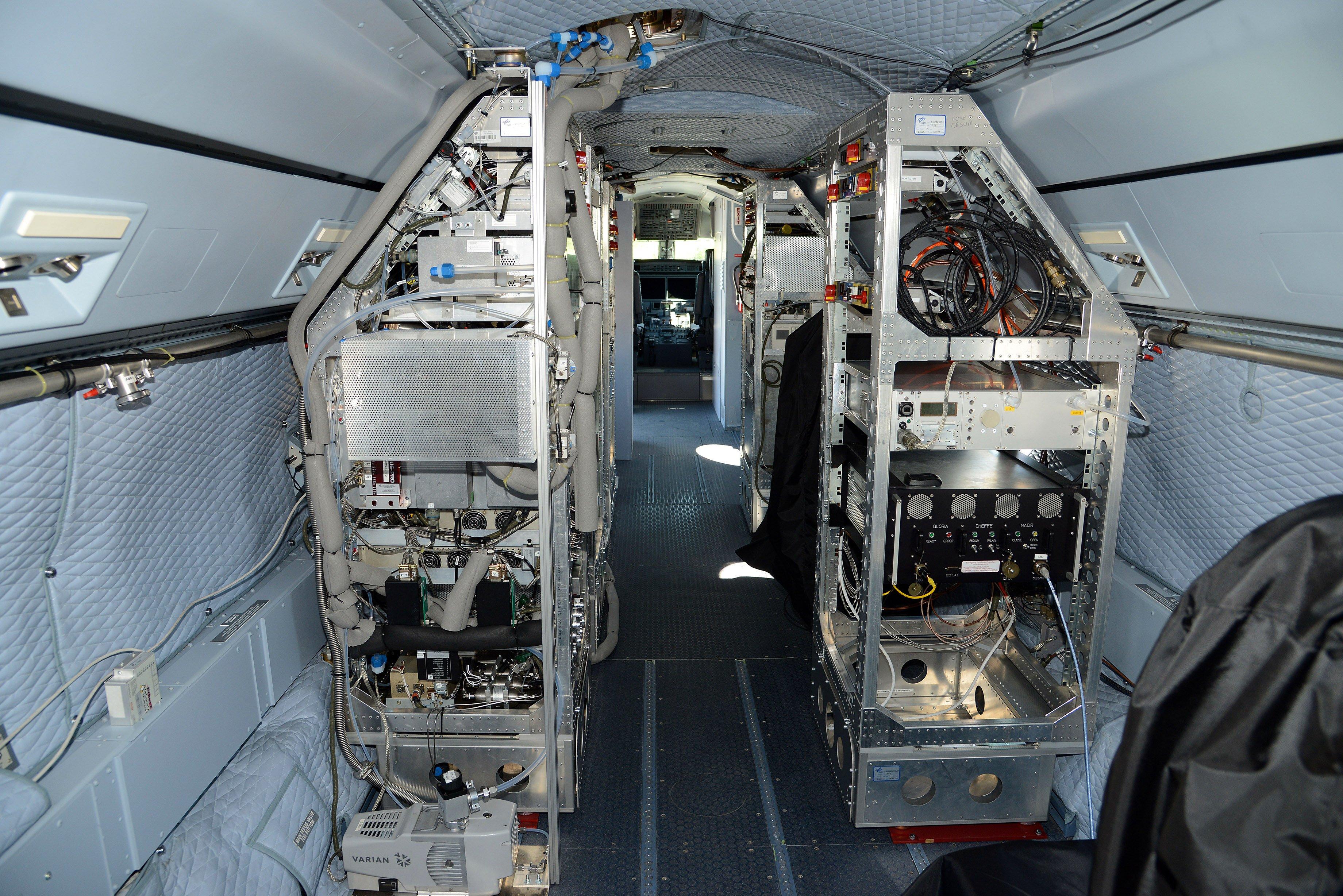 Drei Tonnen modernste Messgeräte zur Untersuchung von Eiswolken am Himmel hat Halo an Bord.