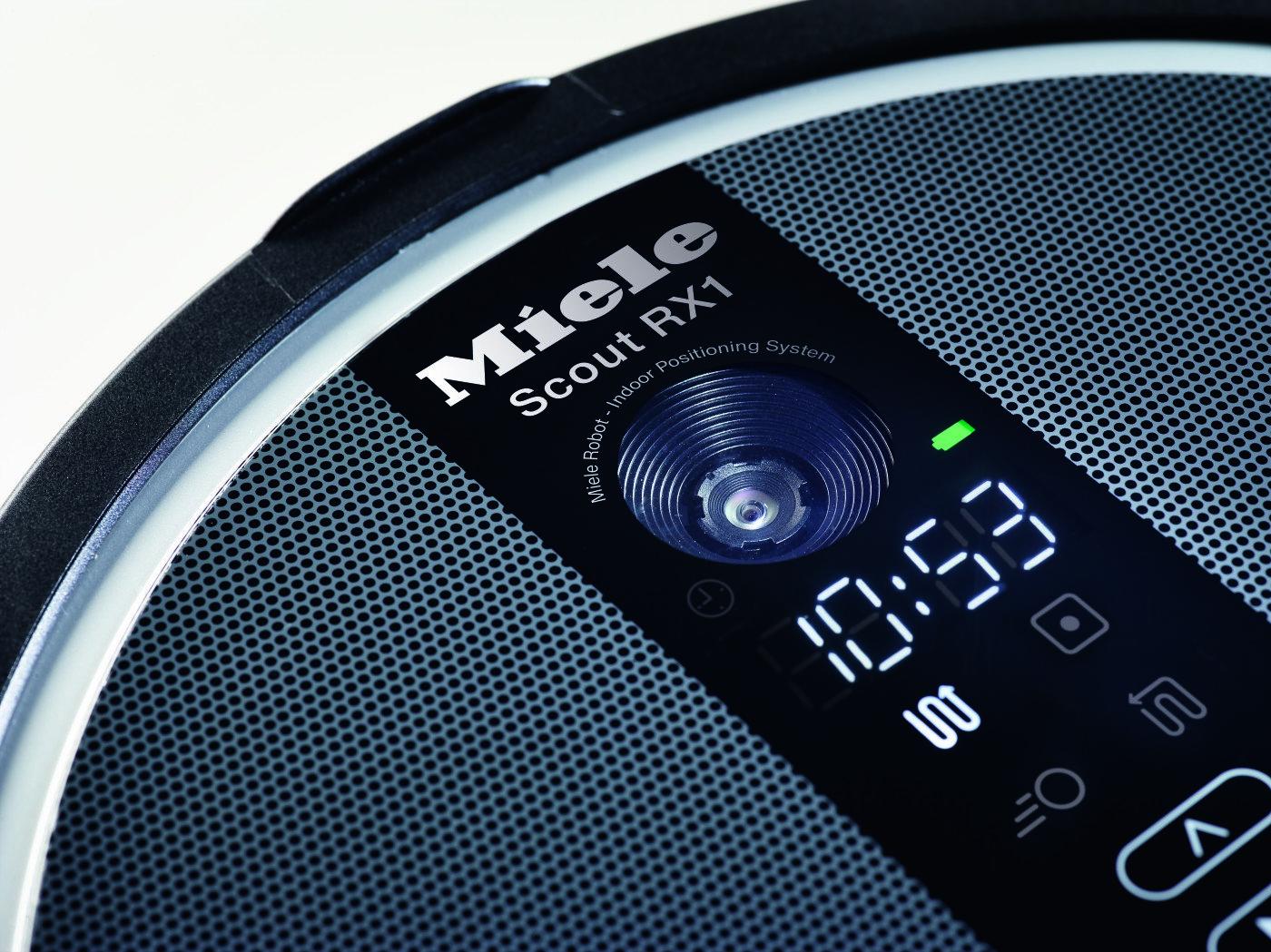 Im Scout RX1 sorgt eine integrierte hochwertige Digitalkamera, die mehrmals pro Minute die Raumdecke scannt, für Präzision.