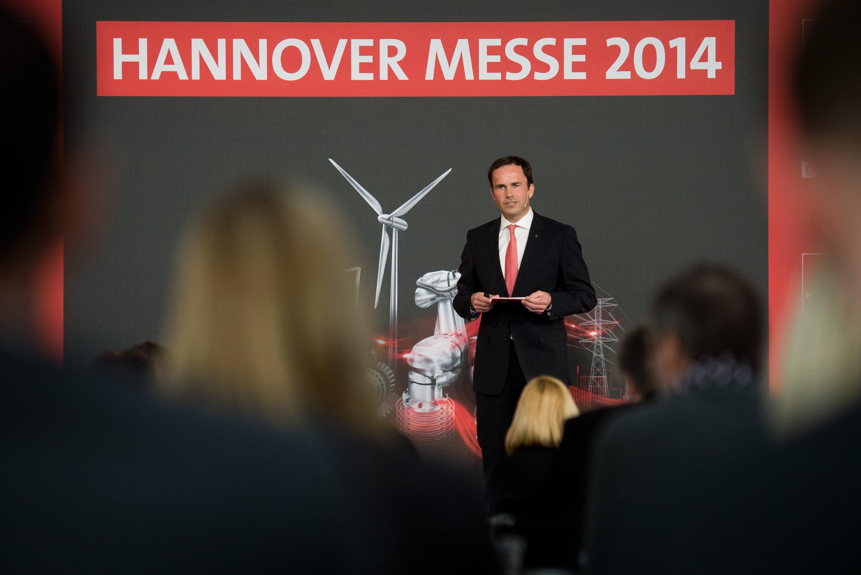 Jochen Köckler, Vorstandsmitglied der Deutsche Messe AG, bei der Auftaktpressekonferenz zur Hannover Messe. Die Industriemesse findet vom 7. bis 11. April 2014 statt.