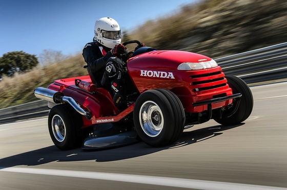Bis zu 210 km/h soll der Mean Mower von Honda laut Herstellerangaben schaffen. Für einen Eintrag ins Guinness-Buch der Rekorde reichten die 187,6 km/h bei der Testfahrt.