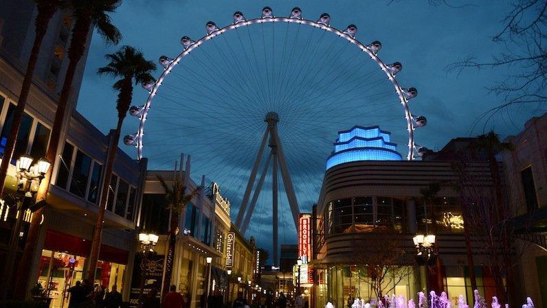 Der High Roller ist zehn Meter höher als die Kölner Domspitzen. Ersteht im Vergnügungspark The Linq in Las Vegas.