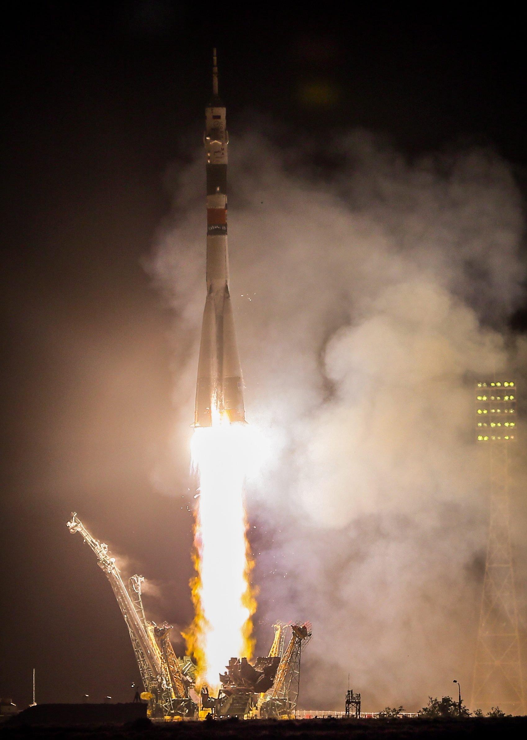 Start der Sojus-Rakete iin Baikonur mit dem deutschen Astronauten Alexander Gerst zur ISS.