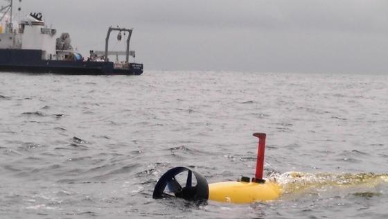 Das Unterwasserfahrzeug Bluefin-21 des US-Herstellers Bluefin Robotic kann bis auf 4500 Meter tief tauchen.