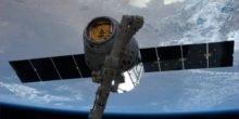 Dragon bringt ISS Samen für frischen Salat und neue Raumanzüge