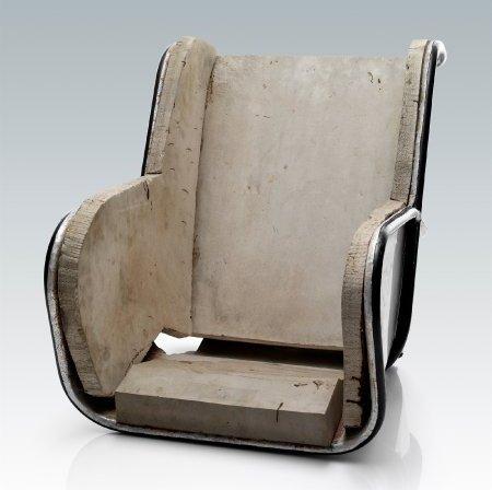 50 Jahre alter Prototyp für einen Kindersitz von Volvo: Diesen Sitz mit Holzauflage entwickelte der Arzt Berti Aldman in Zusammenarbeit mit Volvo.