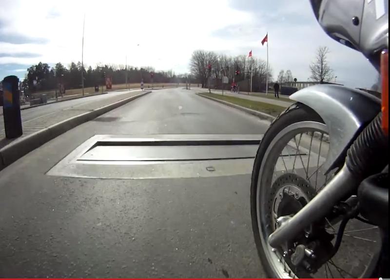 Laut Hersteller Edeva kann Actibump auch gefahrlos bei Motorrädern eingesetzt werden.