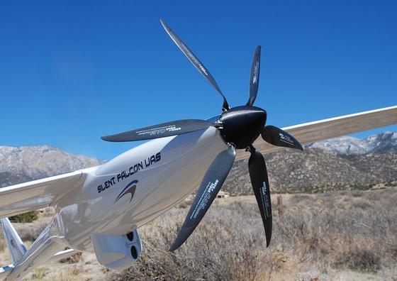 """Solardrohne """"Silent Falcon"""" fliegt bis zu zwölf Stunden"""