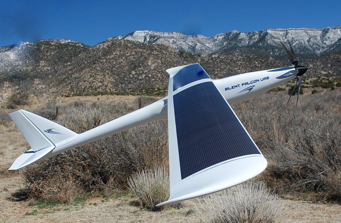 Gut zuerkennen: Die Tragflächen der Drohne Silent Falcon dienen auch der Speichung von Sonnenlicht.