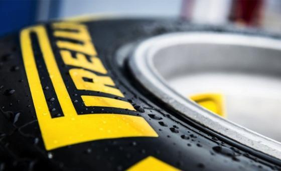 Der italienische Reifenhersteller Pirelli will seine intelligenten Reifen (Cyber Tyre) ab November auch für Pkws anbieten. Bislang gibt es sie nur für Lastwagen.