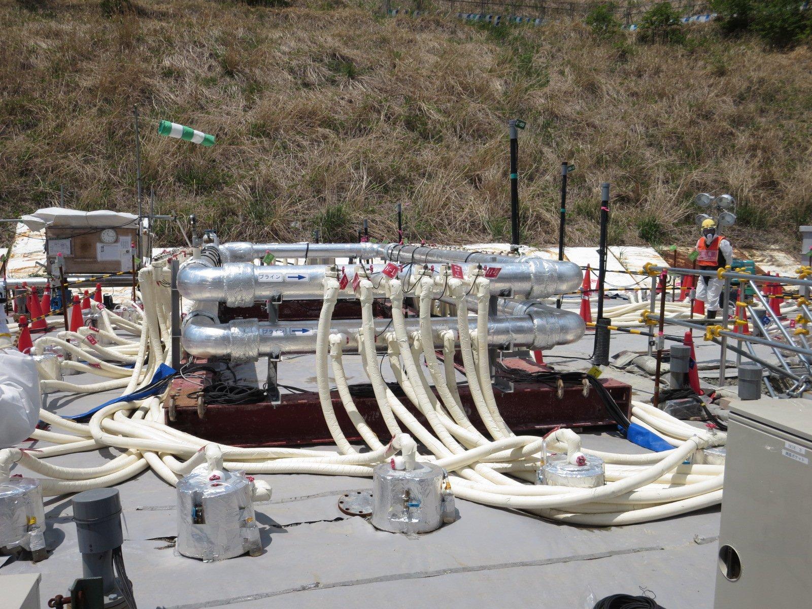 In Fukushima haben die Arbeiten zum Bau einer Eismauer begonnen.