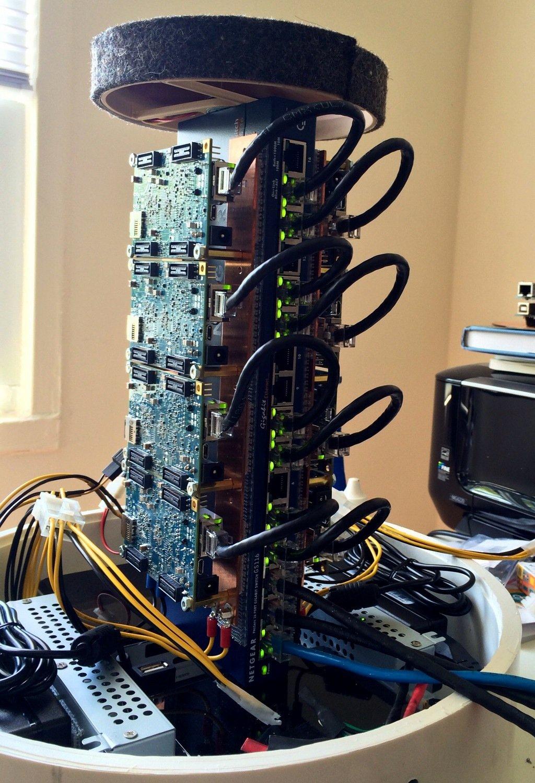 Marke Eigenbau: das Innenleben des Supercomputers für den Schreibtisch.