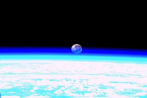 Mondaufnahme von der ISS: Wissenschaftler haben neue Indizien dafür, dass der Mond durch den Aufprall desAsteroidenTheia entstanden ist.