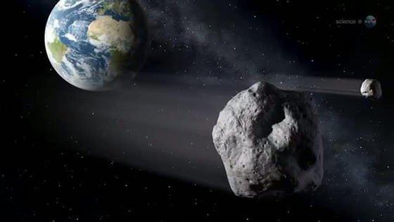 Asteroiden schrammen immer wieder knapp an der Erde vorbei. Vielleicht hat sich von einem solchen der Meteorit Erefmovka abgelöst, der vor Milliarden Jahren auf die Erde krachte und die wertvolle Fracht mitbrachte.