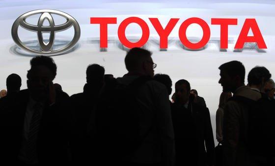 Der Kraftstoffverbrauch von Automotoren lässt sich auf ganz verschiedenen Wegen senken. Toyota geht jetzt den Weg, die Effizienz der Halbleiter in der Motorensteuerung deutlich zu erhöhen.