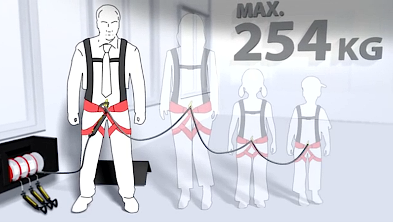 Mit einer Seiltrommel können sich bis zu vier Menschen gleichzeitig zum Boden herablassen. Das Seil bewegt sich ohne Motor automatisch mit einer Geschwindigkeit von einem Meter pro Sekunde.